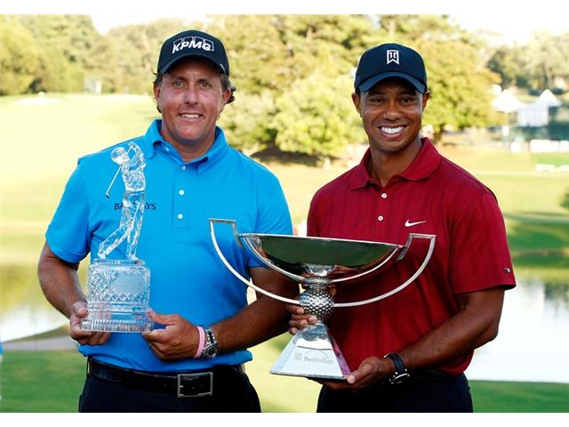 Phil Mickelson and Tiger Woods at the 2009 TOUR Championship